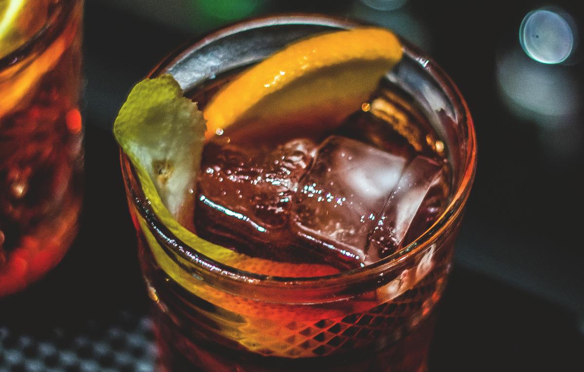 ¿Seguimos la tradición de Hipócrates y quedamos para tomar un vermut en Chico Bar?