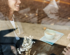 Dale la bienvenida a la primavera desde la terraza de Chico, tu restaurante de tapas y platillos de Barcelona